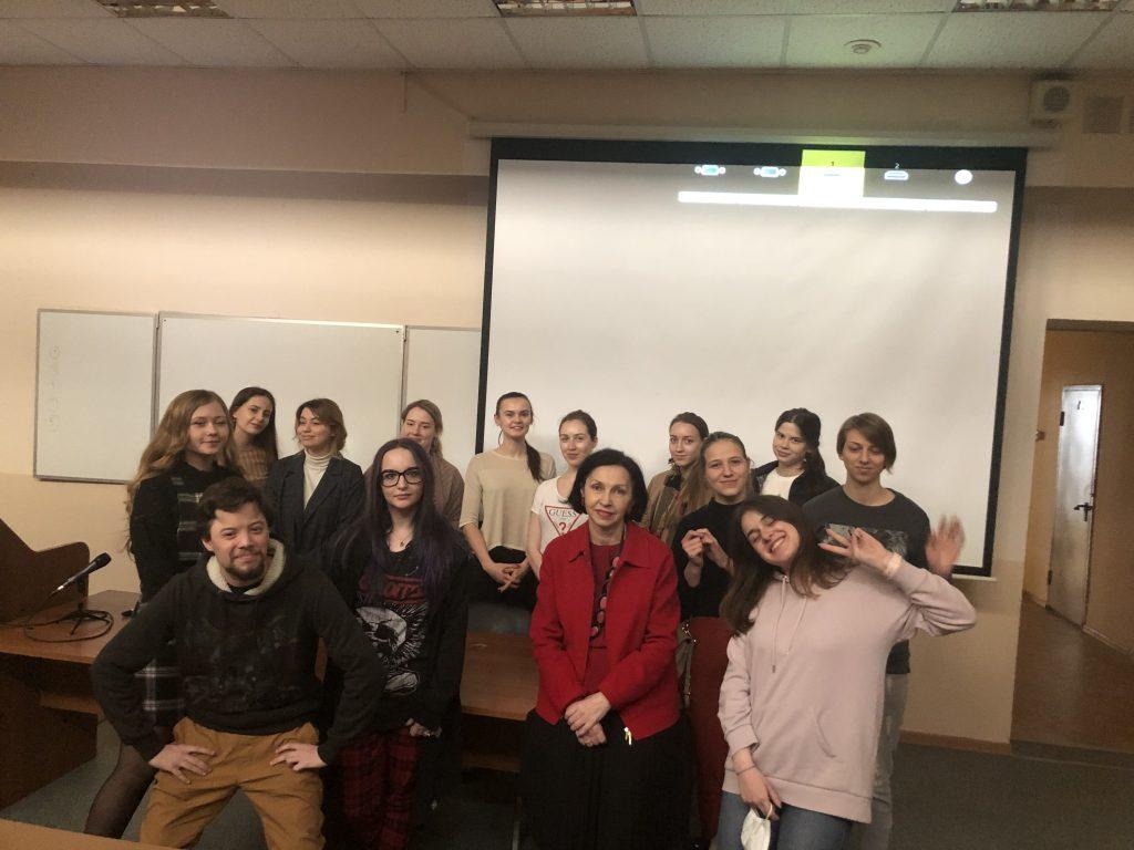 Проекты в номинации «Москва – умный город», которые готовят студенты 3 курса факультета маркетинга, кафедры рекламы, связей с общественностью и дизайна, были представлены на открытой презентации.